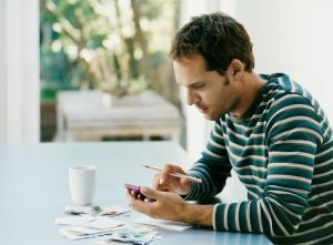 Read more about the article RRSP Vs. TFSA – Which One is Right For You?
